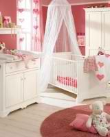Детская комната для новорождённой девочки