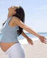 Чем опасен загар во время беременности