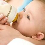Нужно ли докармливать новорожденного