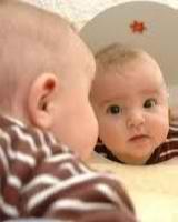 Primery` razvivaiushchikh zaniatii` dlia detei` v 3 mesiatca