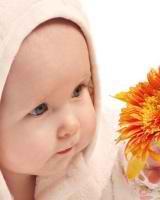 Razvivaiushchie zaniatiia dlia detei` 5 mesiatcev primery`