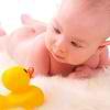 Razvivaiushchie zaniatiia dlia detei` v 1 mesiatc