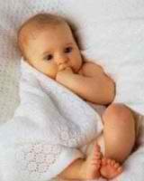 Razvivaiushchie zaniatiia dlia detei` v 2 mesiatca