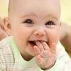Razvivaiushchie zaniatiia dlia detei` v 3 mesiatca
