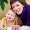osobenny`e razvivaiushchie zaniatiia dlia detei` 8 mesiatcev