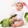 Razvivaiushchie zaniatiia dlia detei` 10 mesiatcev