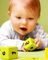 Razvivaiushchie igry` dlia detei` v 3-6 mesiatcev