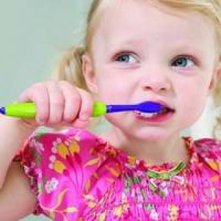 karijes-molochnyh-zubov-rekomendacii-stomatologa1