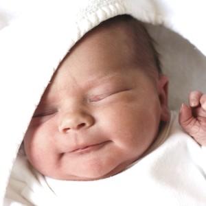 Первая неделя жизни малыша: на что нужно обратить внимание
