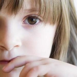 Нервный тик у ребенка – причины появления