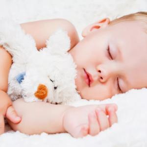 Достаточно ли спит ребенок или чем грозит недосып в младенчестве